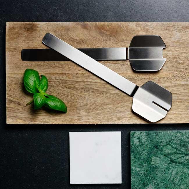 Salad-Servers-balance13